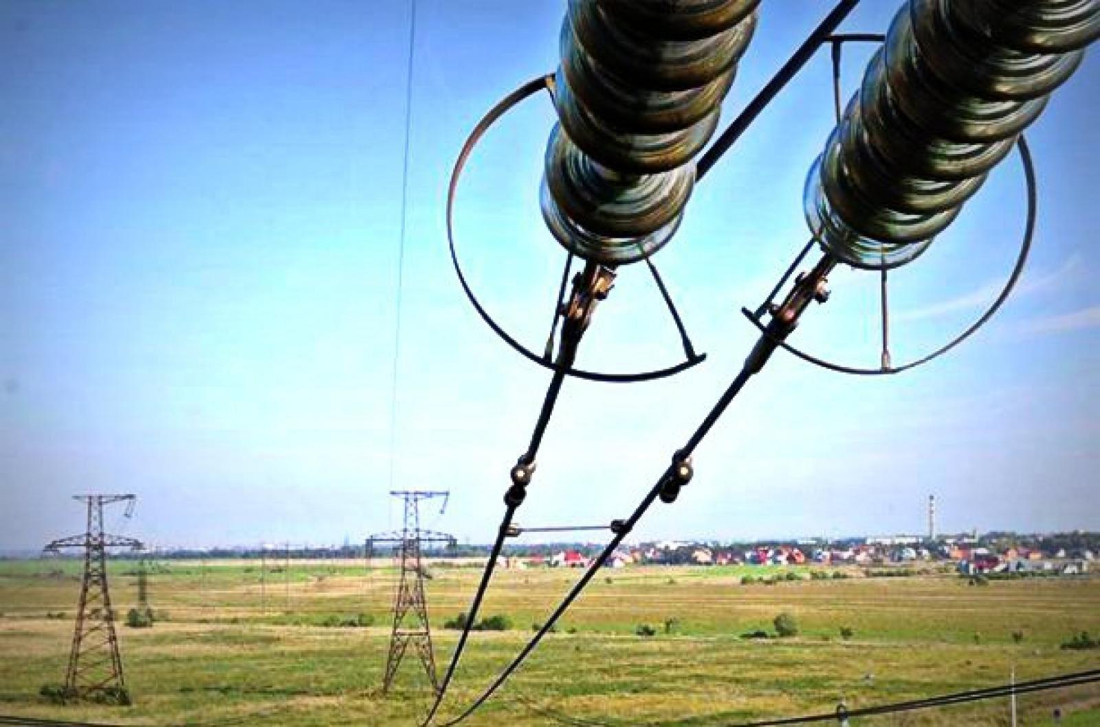 """""""Укрэнерго"""" начало ограничивать импорт электроэнергии"""